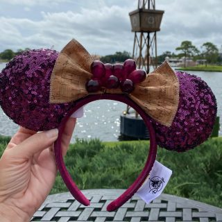 food and wine grapes ears