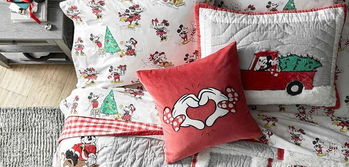 mickey Christmas bedding